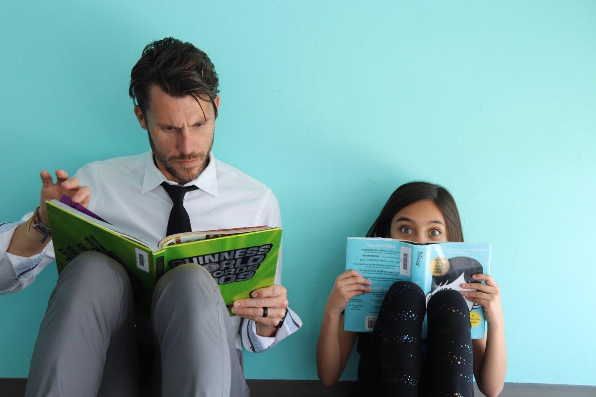 teacher-student-reading-2