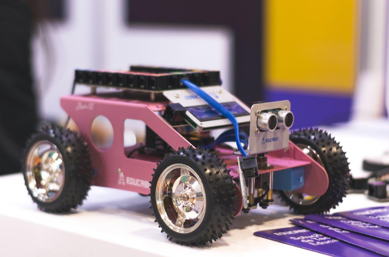 aai-first-robotics-pink-car