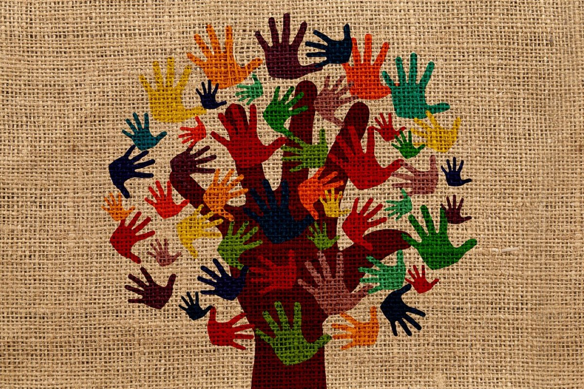 hand-prints-volunteers
